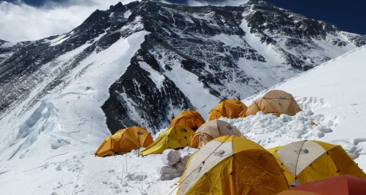 everest-north-col-camp1