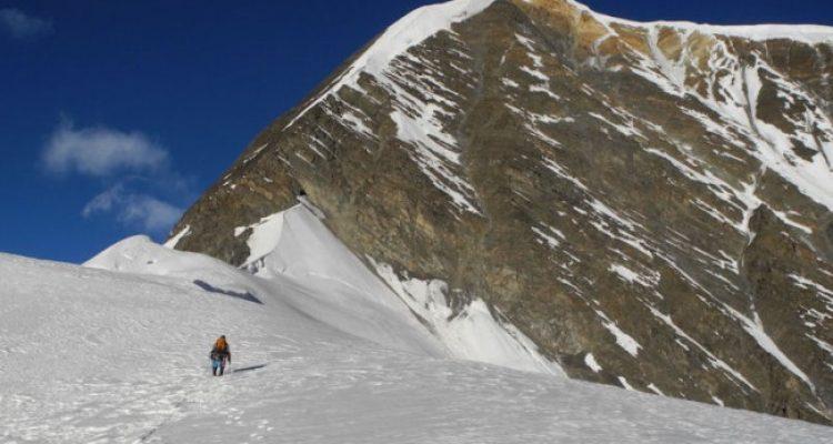 Chulu-East-Peak-Climbs