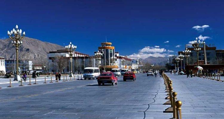 Overland tour Kathmandu To Lhasa