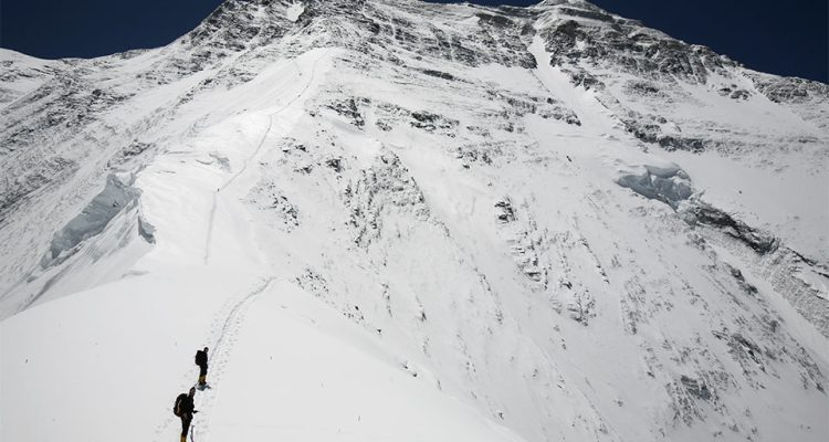 View-of-the-North-Face-of-Everest-from-the-North-Col2