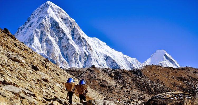 Trekking in Everest Base Camp