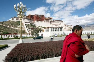 Best Nepal Tibet and Bhutan Tour